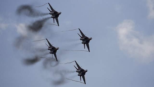 Подпись к изображению: Выступление авиационной группы высшего пилотажа «Стрижи» на истребителях МиГ-29