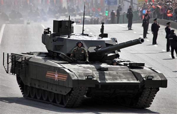 Танк Т-14 Армата перед парадом Победы на Красной площади, Москва, 9 мая 2015 года