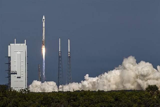 Запуск ракеты Atlas V в 2014 году