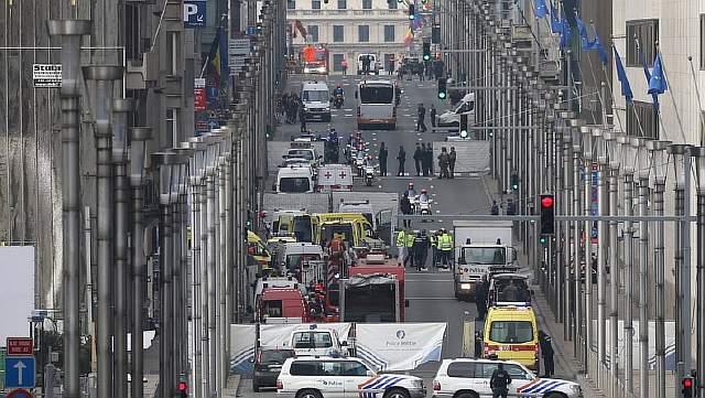 Подпись к изображению: после взрыва в Брюсселе на станции метро Маальбек, Бельгия, 22 марта 2016 года