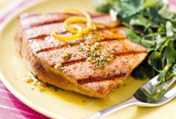 grilled-tuna-steaks-spiced-vinaigrette