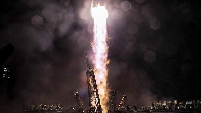Подпись к изображению: Подобные запуски кораблей «Союз» в последние месяцы обеспечивали работу Международной космической станции. Сегодня российская космонавтика демонстрирует возрождение былой силы
