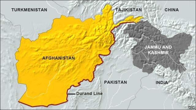 Подпись к изображению: Линия Дюранда – практически неразмеченная 2640-километровая граница между Афганистаном и Пакистаном.