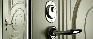 Чем хороши входные металлические двери с зеркалами