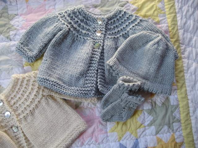 knitted-baby-clothes-11