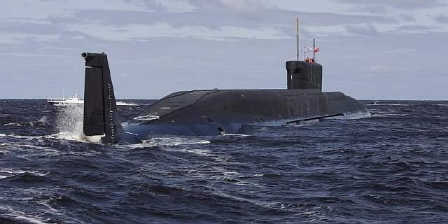 Подпись к изображению: «Юрий Долгорукий» - первый российский ракетный подводный крейсер стратегического назначения класса «Борей»