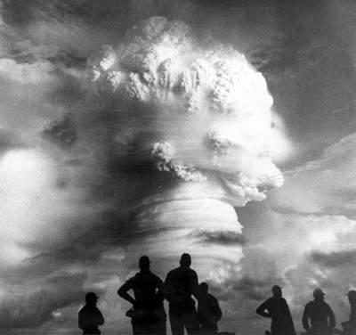 nuclear-arms-race-4