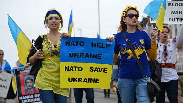 ukraine-nato-demonstranten-jpg--a487a19d0fb99b7b-