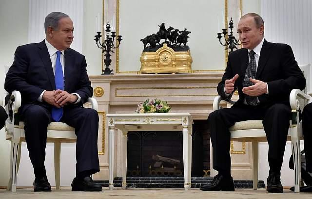 Подпись к изображению: Российский президент Владимир Путин и израильский премьер-министр Биньямин Нетаниягу в Кремле, 21 апреля 2016 года