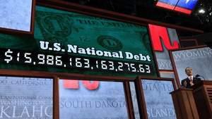 Совокупная стоимость всей наличной валюты, золота, серебра и цифровой валюты биткойн во всем мире меньше чем долг США