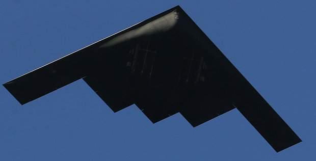 Подпись к изображению: Стелс-бомбардировщикам В-2 отводится ключевая роль в третьей мировой войне