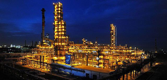 oil-refining_omsk-refinery