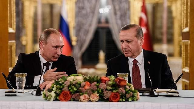 Нормализация отношений между Турцией и Россией уже приносит свои плоды в виде размороженного сотрудничества и новых соглашений. Это вполне отвечает интересам обеих стран, однако у Турции остаются некоторые поводы для беспокойства, среди которых потенциальная энергетическая зависимость от России, риск испортить отношения с Западом и некоторые другие