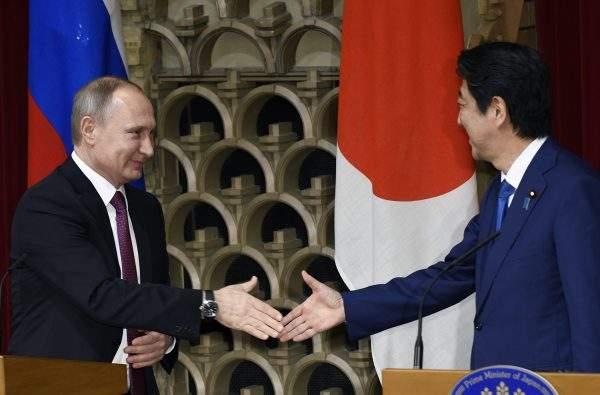 Подпись к изображению: Россия подписывает торговые соглашения с мощными экономиками, чтобы преодолеть негативное воздействие санкций (агентство Синьхуа)