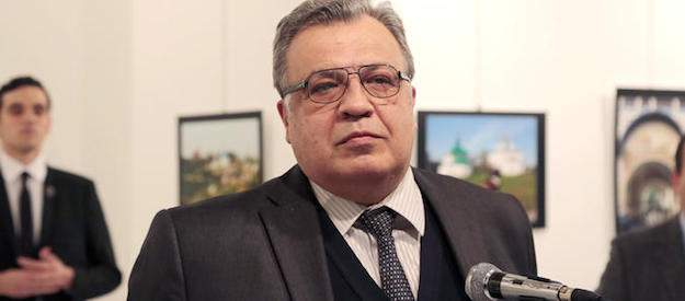 russian-ambassador-to-turkey-and-his-assassin-december-2016