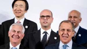 На фоне беседы Тиллерсона с Лавровым о новой «перезагрузке», рейтинг российских банков и компаний улучшается