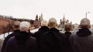 Общая численность расистов-скинхедов в России, возможно, достигла 100 тысяч человек