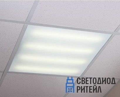 led_svetilnik_595kh595mm_v_potolke_armstrong