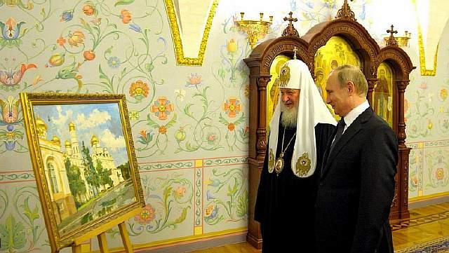 Подпись к изображению: Президент России Владимир Путин и патриарх РПЦ Кирилл в Москве, март 2016 года