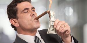 Известный американский экономист: почему элиты побеждают в войне против наличных денег?