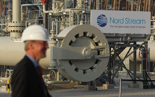 merkel-and-medvedev-inaugurate-nord-stream-gas-pipeline-131916174-59c32d910ab45 (1)
