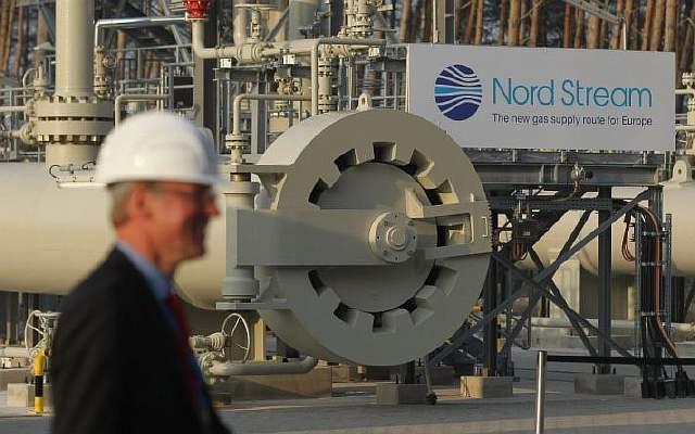merkel-and-medvedev-inaugurate-nord-stream-gas-pipeline-131916174-59c32d910ab45 (1)