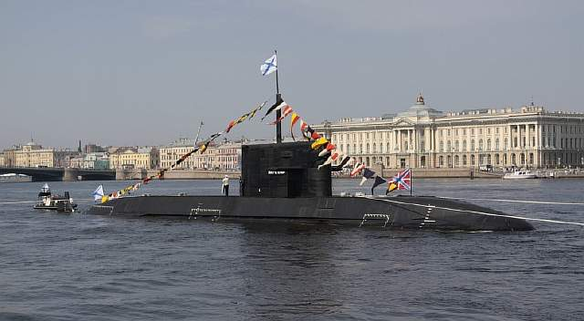 rsz_b-585_sankt-peterburg_in_2010_1