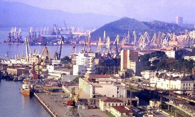 1280px-Vladivostok_harbor-630x378-1510280476