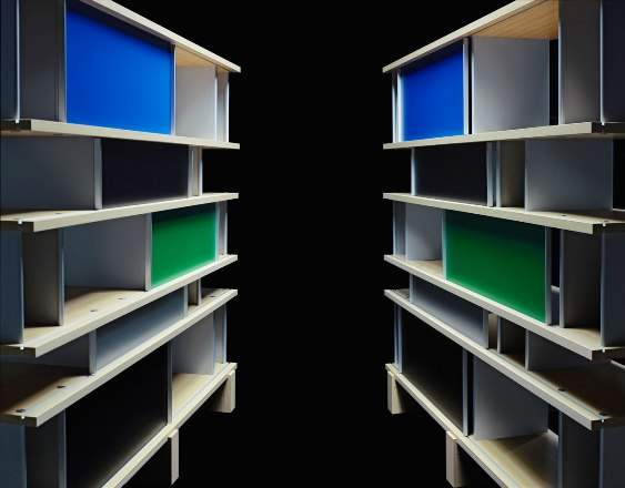 06_cassina_photo-by-karl-lagerfeld_nuage-bookcase-by-charlotte-perriand (1)