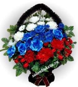 traurnaya-korzina-iz-iskusstvennyh-cvetov-7