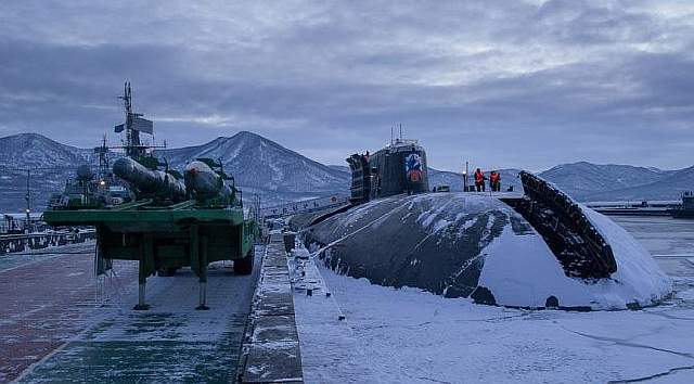 russia-to-equip-nuclear-powered-oscar-class-submarines-with-kalibr-cruise-missiles-672x372