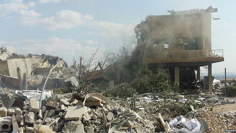 Подпись к изображению: Руины некоторых зданий в Сирии, пострадавших от ударов с воздуха