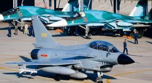 Китай перебрасывает свои самые грозные бомбардировщики и истребители для участия в военных учениях в России