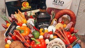 Мужской букет из продуктов и алкоголя – оригинальный персонализированный подарок для любого мужчины