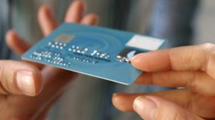 Экономический спад в США: невыплаты по кредитным картам и закрытия счетов