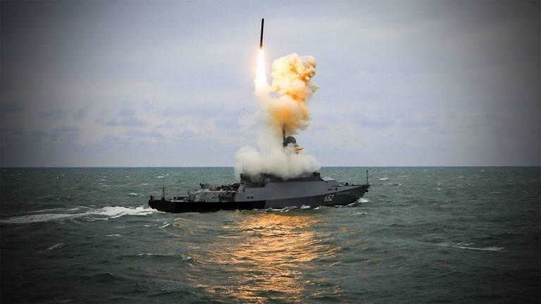 Российские ракетные корветы стоимостью 30 миллионов долларов стреляют в четыре раза дальше, чем 2-миллиарные американские эсминцы и крейсера