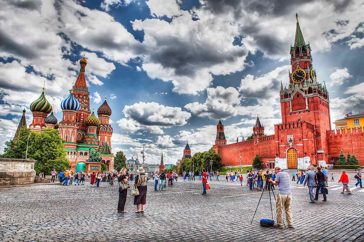 red_square_moscow_cityscape_8309148721-5