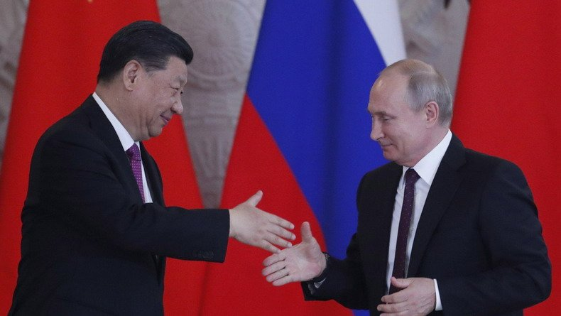 SCMP: Впервые эмитировав государственные облигации в юанях, Россия вместе с Китаем еще дальше уйдут от доллара