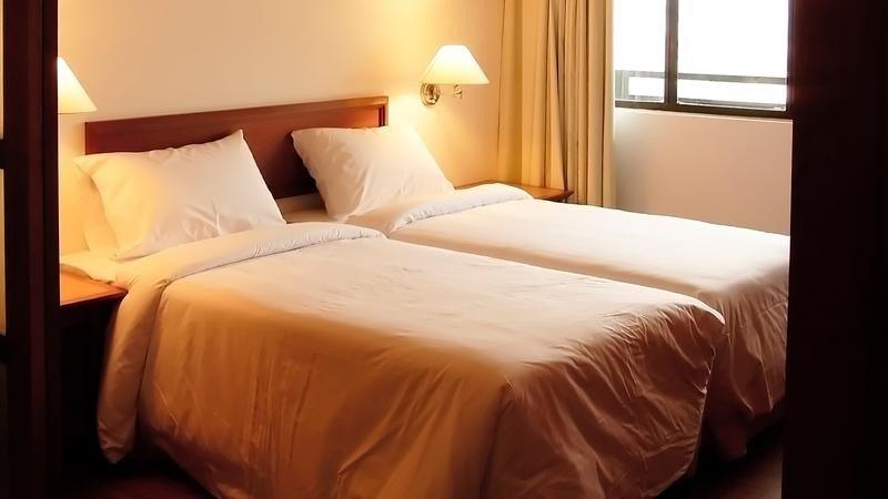Почему супружеские пары раньше спали в разных кроватях