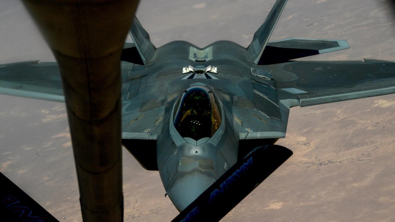 Как Россия собирается сбивать истребители-невидимки F-35 и F-22