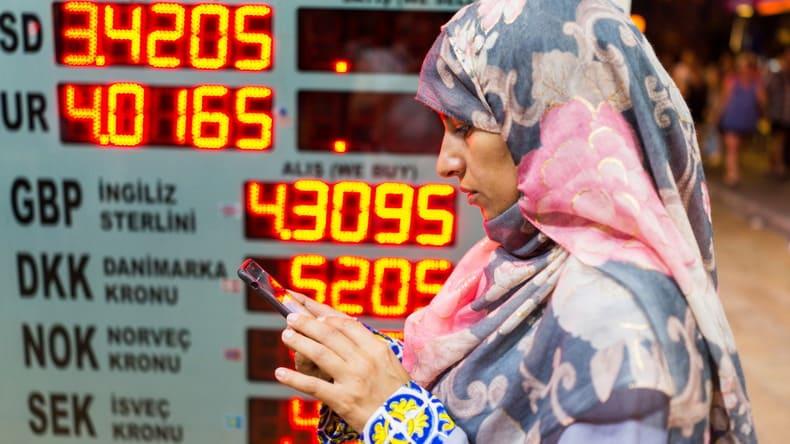 OZY: Почему центробанки отказываются от доллара