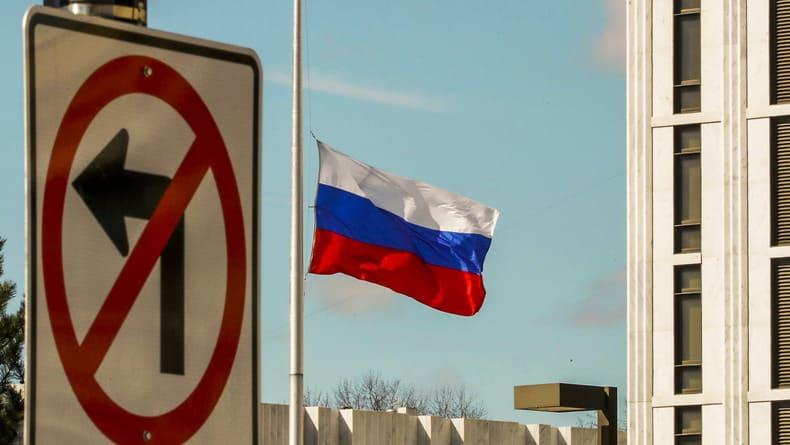Смешки за спиной над трагедиями России