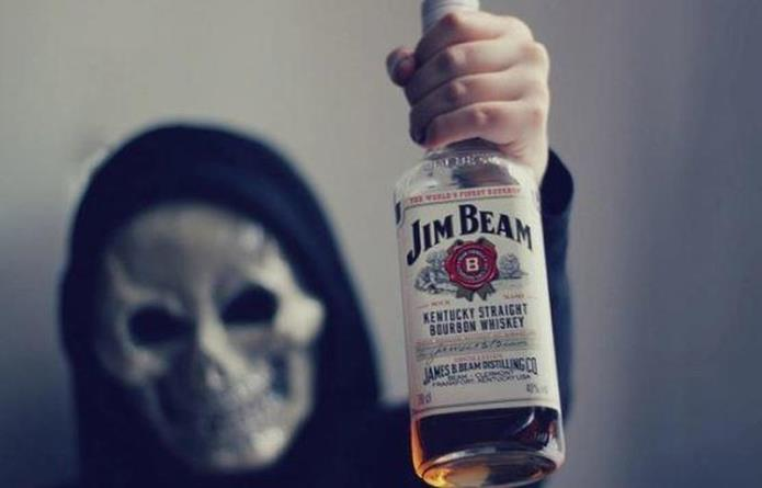 Скрытый кризис: смертность от алкоголизма в США выросла более чем вдвое