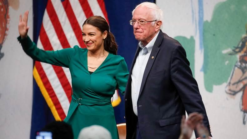 С чего бы это американские демократы вдруг возненавидели Россию?