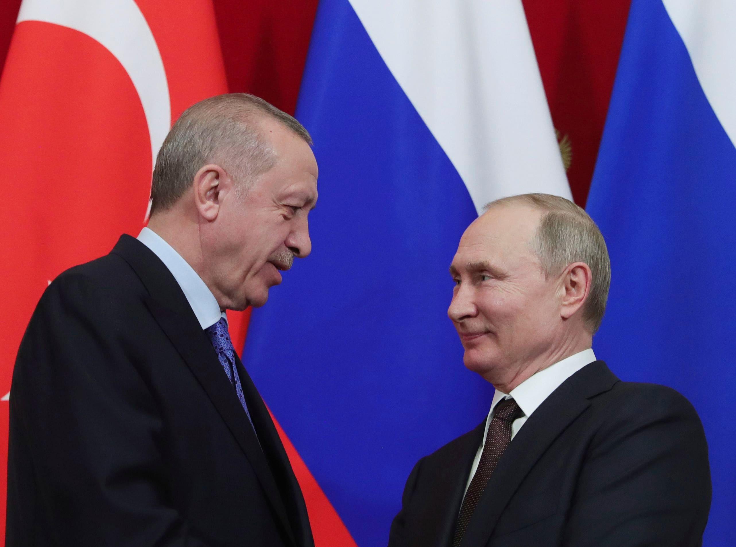 Турция потеряла и Россию и Запад
