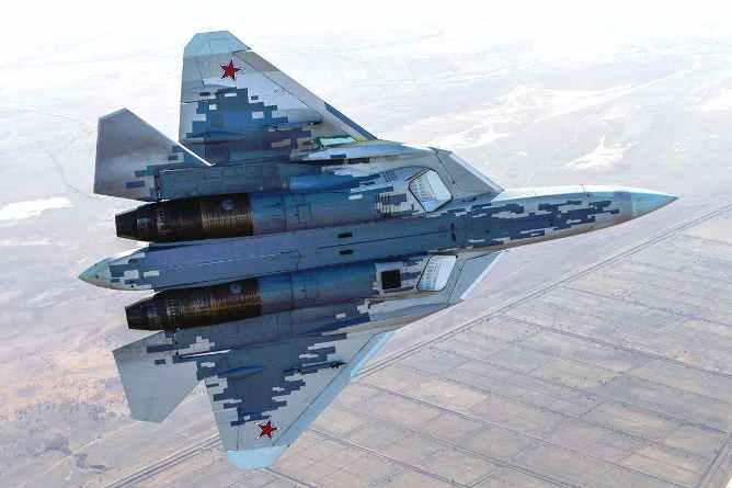 По мнению западных экспертов, российские конструкторы могли скопировать для истребителей Су-57 один важный узел у американского F-22 Raptors