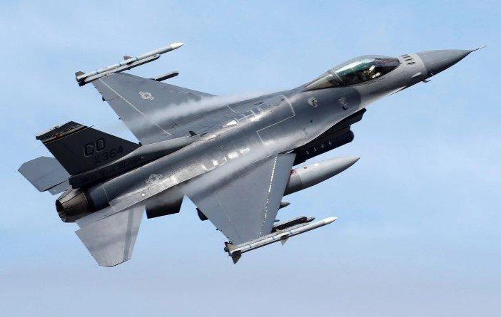 Неудачи с F-35 заставляют ВВС США искать замену устаревшим истребителям F-16