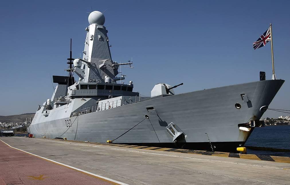 Для чего Британия направляет свои корабли в Черное море?