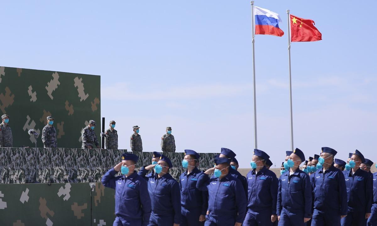 Похоже, Вашингтон сильно напуган: CNN поливает грязью китайско-российские учения