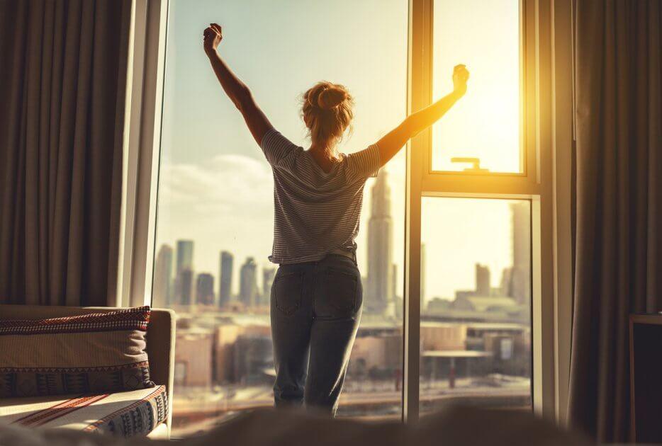 10 способов проснуться без кофеина и зарядиться энергией
